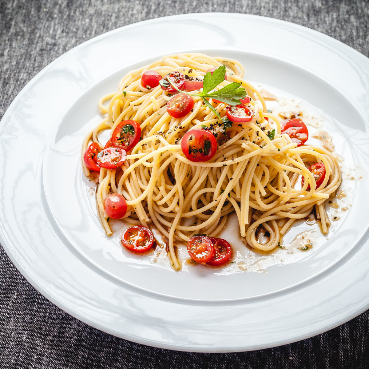 Spaghetti, Cherry Tomatoes, Olive Oil